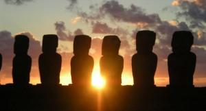 15 statues de Moais